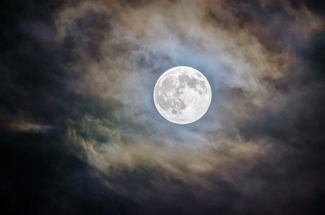 la lluna relat breu